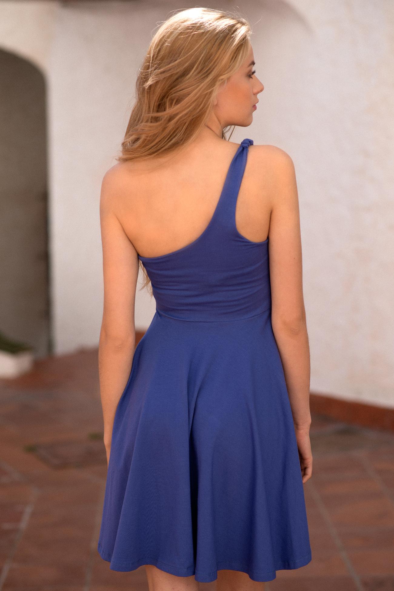 Vestido lila un tirante por la espalda