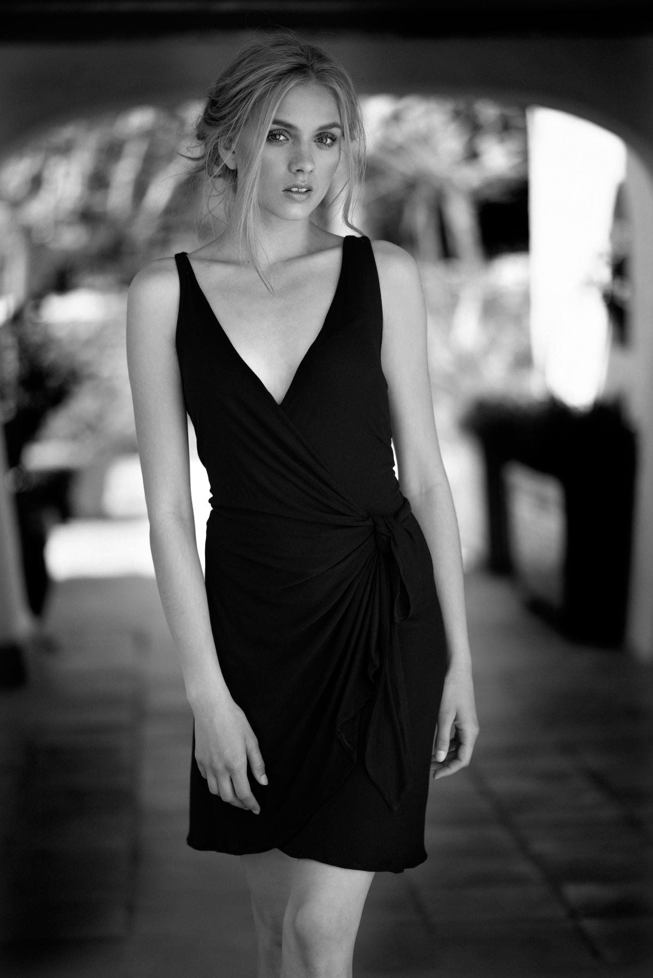 Vestido negro algodón cruzado. 001