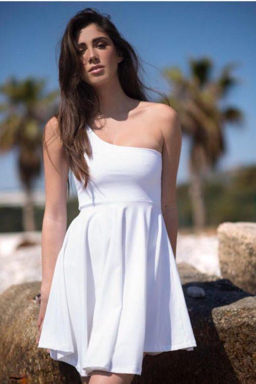 vestidos blancos de un solo tirante